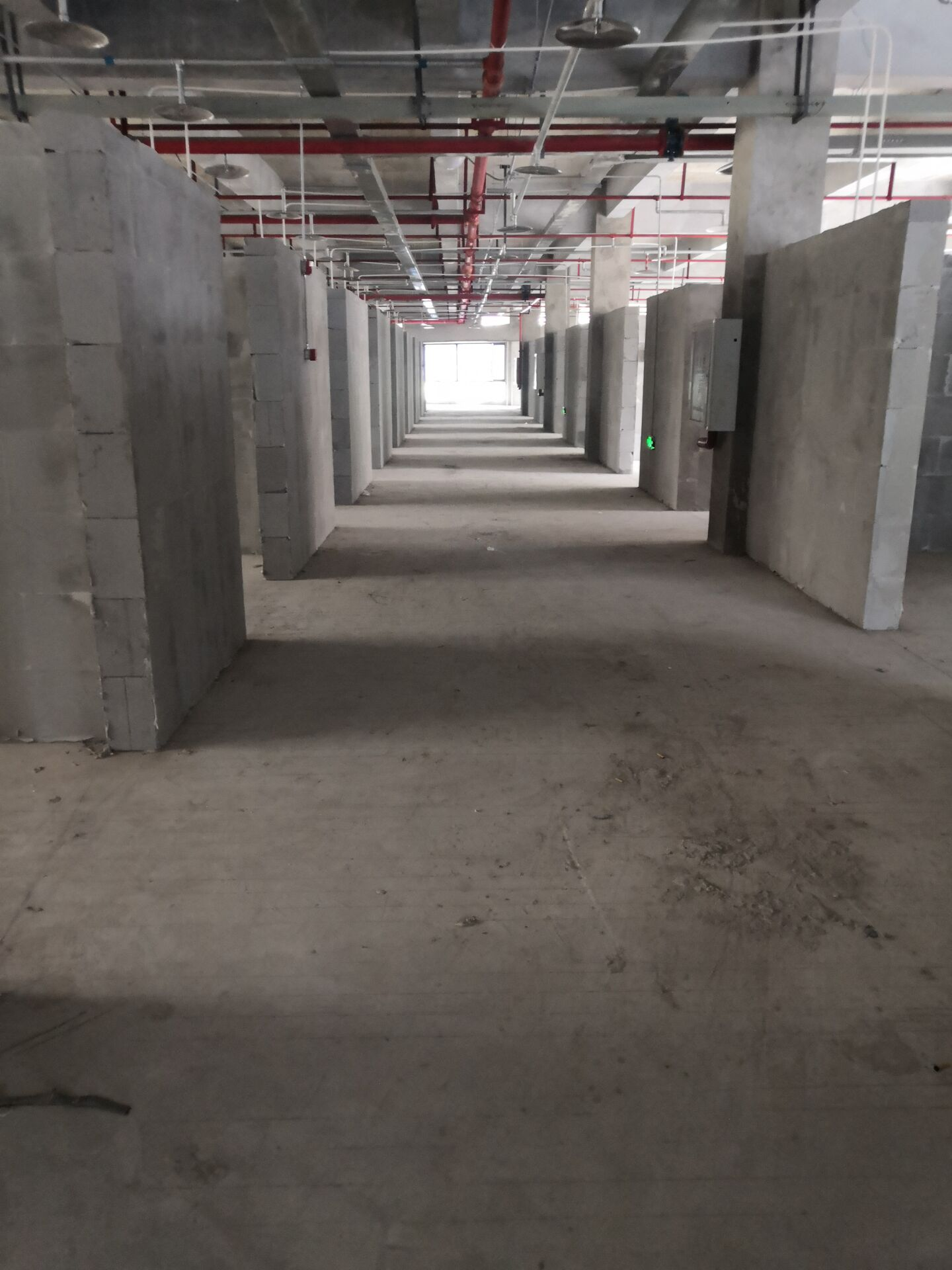 重庆大学城加气砖隔墙